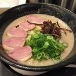 ちらん 天満店 - 塩鶏白湯らーめん(750円)