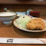 44091721 - ロースカツ定食 880円