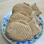 あずまや - 料理写真:鯛やきはあずき、しろあん、クリームの3種で1個150円でした