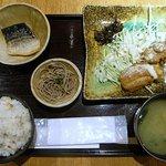 旬菜 麦や七蔵 - 日替り定食500円