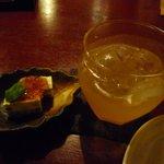 おばんざいとお酒 飛やじ - 料理写真:梅酒とお通し