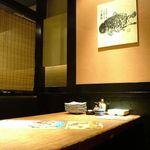 魚浜 - テーブル4名様×1 仕事帰りに、ぴったりなお席をご用意。