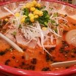 キングコング - ヤンニンジャンらー麺(800円)+煮玉子トッピング(100円)