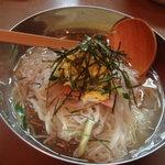 4413956 - 冷麺840円