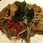 タイレストラン タニサラ - パッバミーキーマオ(タイ焼きそば)税込780円