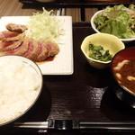 44137029 - 牛カツ定食