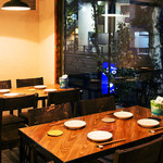 ネギッチン negi negi - テーブル席もございます。