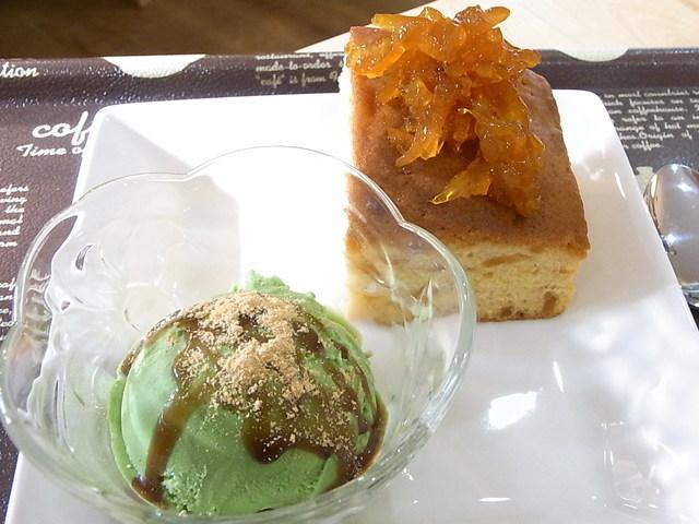 ぷらっとわん - 本日のデザート¥400 数種類のケーキから1つ選択+アイスクリーム☆♪