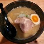 麺屋 つむぎ - 醤油ラーメン(780円)