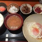 めしの助 - おまかせ朝定食