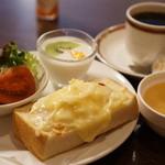 ノルテ - 料理写真:コーヒー代400円でこれ全部ついてきます!!