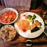旬菜ダイニング らかんか - おまかせ定食の一部