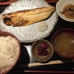 銀座ひかり - 鯖の塩焼き定食890円、脂が乗ってます。