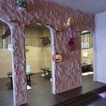 居酒屋満海 - イタリア料理店みたいな雰囲気