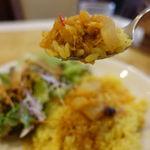 Mirannataraji - イチオシはこの、大根が入ったサンバー・ムーリー             そして胡麻のドレッシングや小松菜のナンは特筆するくらいに旨い。
