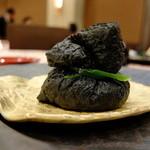 ホテルマイユクール祥月 - 夕食:黒稲荷寿司
