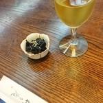 44153798 - 昆布煮とワイン