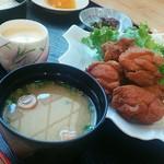 御食事処 よしまつ - 料理写真:鶏唐揚定食[\980]