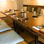 魚浜 - 学芸大学駅から徒歩2分、宴会にもオススメのお席ご用意しています♪