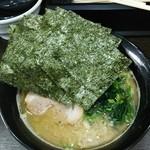 いち家 - ラーメン680円。海苔増し110円。麺硬め。