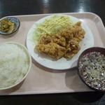 東海龍飯店 - 料理写真:から揚げ定食