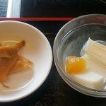 好味苑 - 好味苑 @本蓮沼 ライスセット 200円(税込) に付く搾菜と杏仁豆腐