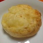 シロヤベーカリー - チーズパン(^_^.)