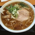 自家製ラーメン 菊屋食堂 - 醤油らーめん(大盛)