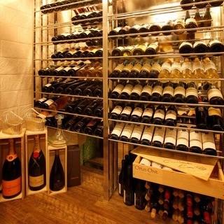 情熱的な作り手達のワインを豊富に揃えております。