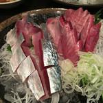 居酒屋 和楽 - 料理写真:しめ鯖と鰹の刺身!