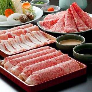 *まずはブランド牛・国産豚しゃぶしゃぶ食べ放題!!*