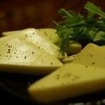 よしよし - 自家製燻製 チーズ 600円