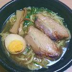 ファミリーマート - 料理写真:ファミマの「醤油ラーメン」498円税込