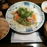 和食や - ゆで豚サラダ仕立て