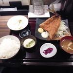 産直青魚専門 御厨 - 限定 築地直送アジフライ定食¥1100