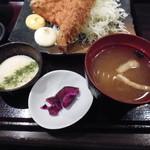 産直青魚専門 御厨 - とろろ・漬物・味噌汁