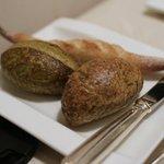 ロワール - 海苔のパンとバジル