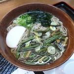 クロスワン - 山菜そば(税込550円)
