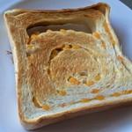 一本堂 - トーストもいいけど柔らかいのをそのまま食べるのが好きかも・・