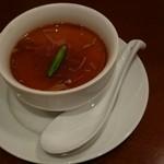 中華ビストロうちだ - 中華ビストロランチのスープです  単なるスープじゃないよ  食べてのお楽しみ(^O^)
