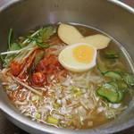 44188302 - 冷麺690円