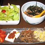 牛國 - 2010/7 前菜、サラダ、そぼろ飯