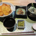 44194012 - 新潟タレカツ丼とお蕎麦のセット 1280円