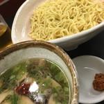 44198633 - 秋味:本しめじと鴨の塩つけ麺。