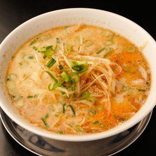 オリジナルの超低加水の極細麺