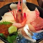 44206063 - 三浦直送『松輪の海鮮丼』(鯖も入ってます)