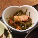 郷土料理 でくのぼう - ランチの小鉢は切り昆布煮でした