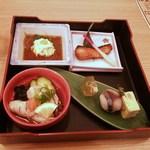 44206949 - 湯葉刺身、鮭の幽庵焼、牡蠣ポン酢蒸、ふぐ煮こごり、鯖寿司、玉子焼