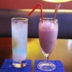 44207637 - モーリシャス&ストロベリーショコラミルク!!ヾ(≧▽≦)ノ