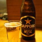 一茶 - まずはビール、一茶はサッポロ黒ラベルです(2015.11.5)